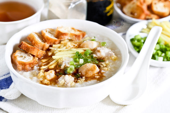 This Minced Pork and Dried Scallop Porridge is deliciously warm, tasty, and satisfying especially on a cold or rainy day. Very easy to prepare. | RotiNRice.com
