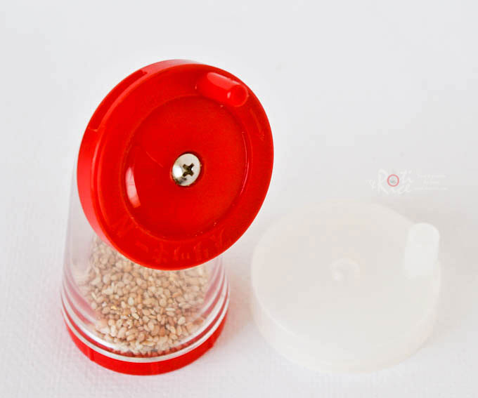 Sesame seed grinder
