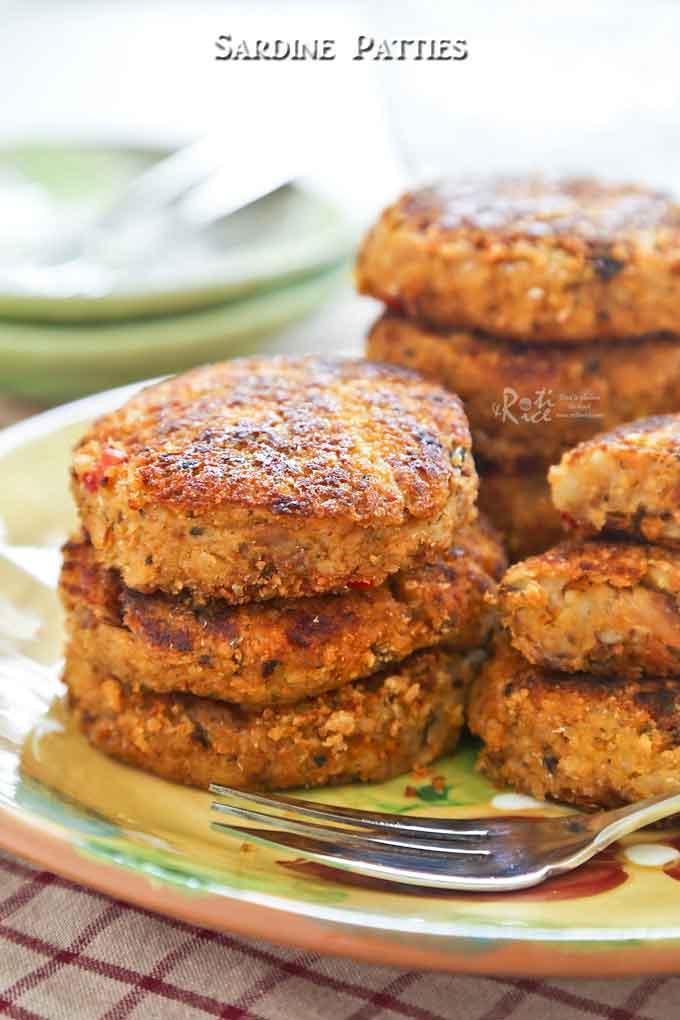 These tasty pan fried Sardine Patties are wonderful served as an appetizer, snack, or side dish. They are also gluten free. | RotiNRice.com