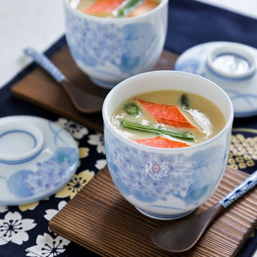 Impress your friends with Chawan Mushi, a comforting and silky smooth Japanese egg custard steamed in a cup. It makes a lovely starter to any meal.   RotiNRice.com