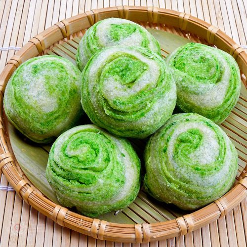 These Spiral Butternut Squash Mooncakes are a creative take on the Teochew style mooncakes. The pandan flavored pastry is wonderfully light and flaky.   RotiNRice.com