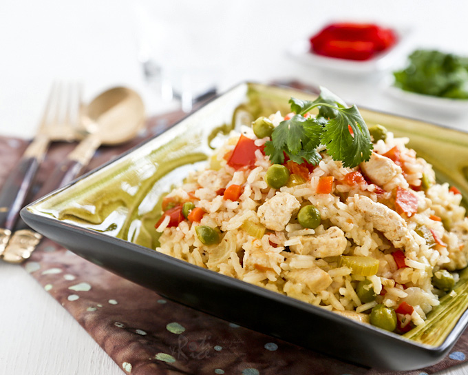 Quick, easy, one-pot Lemon Pepper Chicken Rice using pantry and refrigerator staples. Can be cooked on the stove or rice cooker. | RotiNRice.com