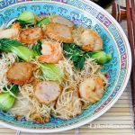 Fried Beehoon with Shrimps and Fish Cakes