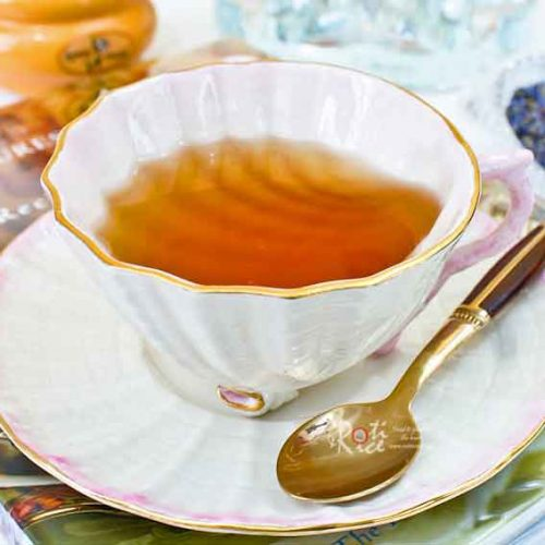 Relax and unwind at the end of a long day with this home blended, fragrant, and soothing Lavender Tea. Also delicious as an afternoon tea. | RotiNRice.com