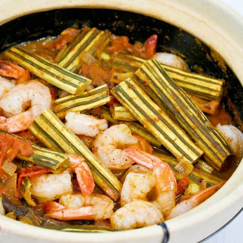 """This Drumstick Shrimp Curry features the immature pods of moringa oleifera. It is a must-try if you are curious about edible """"drumsticks"""". 