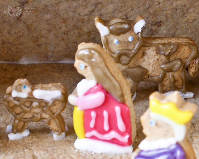 Gingerbread Mary and Baby Jesus