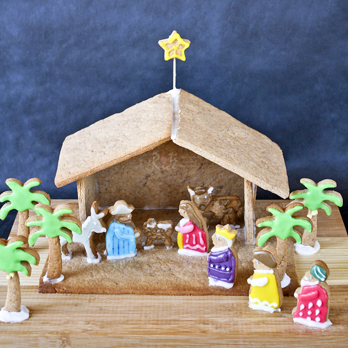 Gingerbread Nativity | Charmingly Cute Gingerbread House Ideas