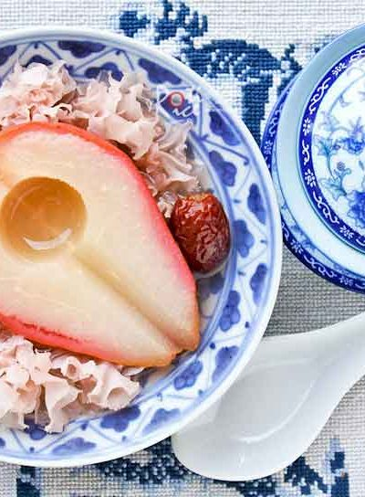 This Poached Pears with White Fungus and Red Dates sweet soup makes a warm and comforting dessert. It is also said to be nourishing. | RotiNRice.com