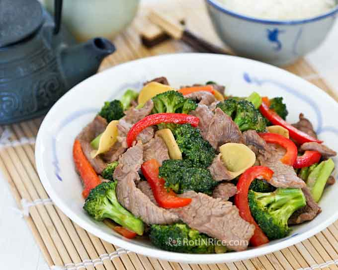 This tasty and colorful Broccoli Beef Stir-Fry only needs to be accompanied by a bowl of steamed rice for a quick and delicious meal. | RotiNRice.com