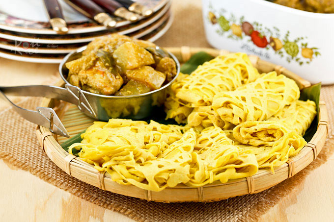 A tray of tender and delicate Roti Jala (Malaysian Net Crepes).