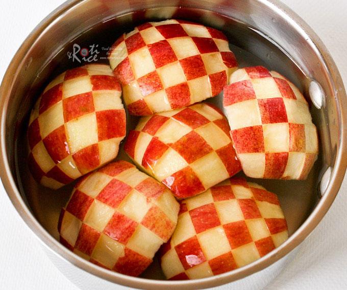 Checker pattern apples