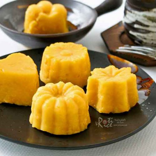 This Sweet Corn Pudding with Bird's Custard Powder is an old time Malaysian favorite. Delicious served as a light dessert or a tea time treat. | RotiNRice.com