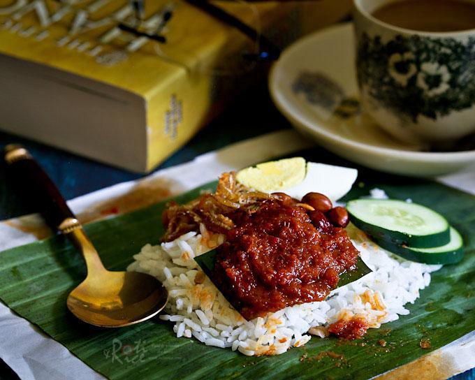 Nasi Lemak Bungkus with fried ikan bilis (anchovies).