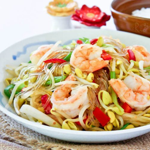 Easy and tasty Soybean Sprouts and Shrimp Stir-fry with sweet potato noodles. Delicious served with a bowl of steamed rice. | RotiNRice.com