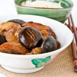 Braised Chicken with Dark Soy Sauce and Mushrooms
