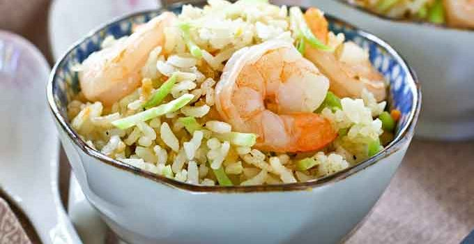 Quick and easy Shrimp and Broccoli Slaw Fried Rice using cooked shrimps and precut broccoli slaw. Can be prepared in 15 minutes with minimum prep work. | RotiNRice.com
