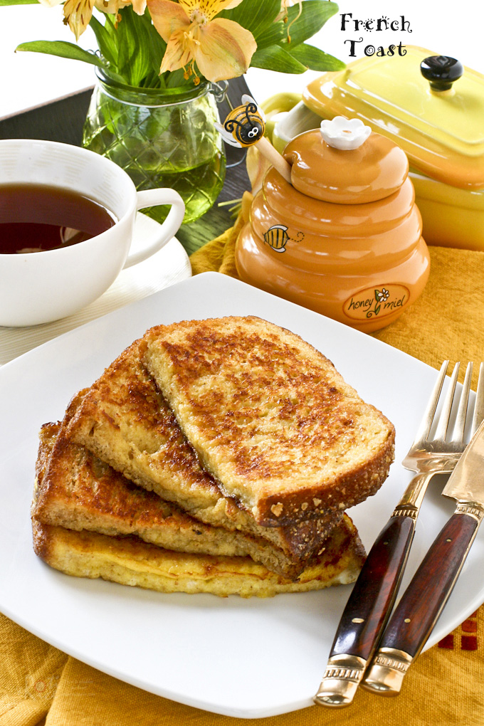 Quick and easy French Toast for a delicious and satisfying breakfast. Ready in 10 minutes and perfect with a cup of coffee or tea. | RotiNRice.com