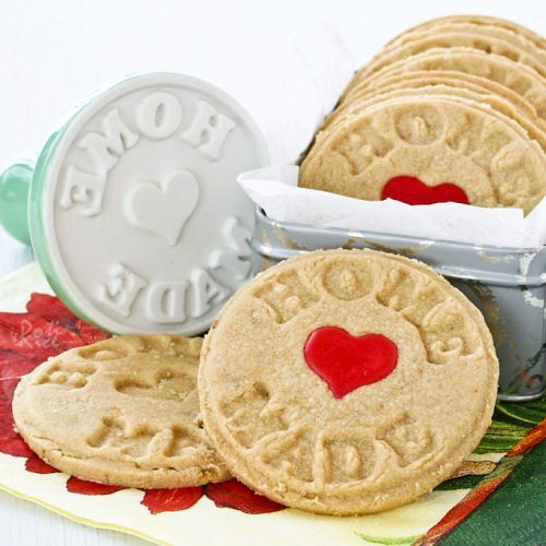 These buttery and fragrant Peanut Butter Stamped Cookies uses only 4 ingredients. They make a delightful tea time treat or snack.   Food to gladden the heart at RotiNRice.com