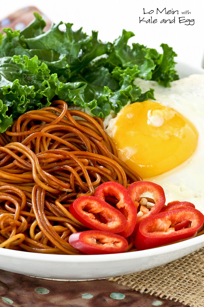 Quick and tasty Lo Mein with Kale and Egg for one. Only 15 minutes to prepare and can be easily multiplied for the family. | RotiNRice.com