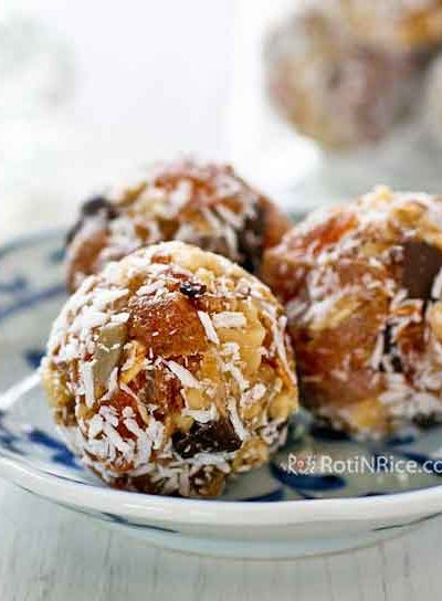 Super easy and tasty No-Bake Persimmon Walnut Energy Bites, the perfect summer time treat. No cooking or processing needed. Just mix and roll into balls. | RotiNRice.com