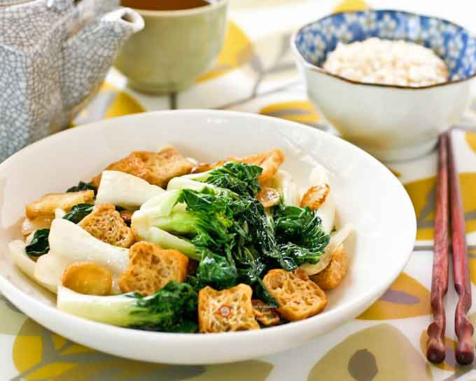 Stir Fry Bok Choy with Deep Fried Tofu-3