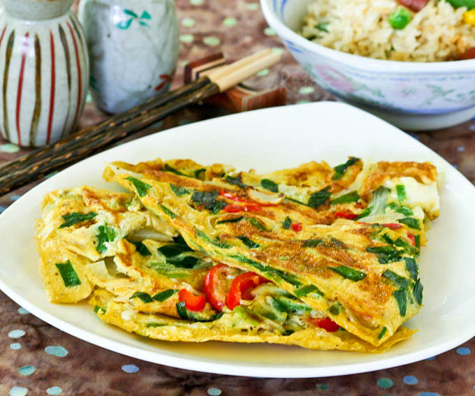 This quick and easy Asian style Omelet with Chives and Onions can be thrown together in minutes. It is usually served as a side dish with rice. | RotiNRice.com