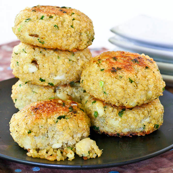 These tasty gluten free Quinoa Chives Fish Cakes are made with cod and garlicky Chinese chives. They are wonderful as an appetizer, snack, or light meal. | RotiNRice.com