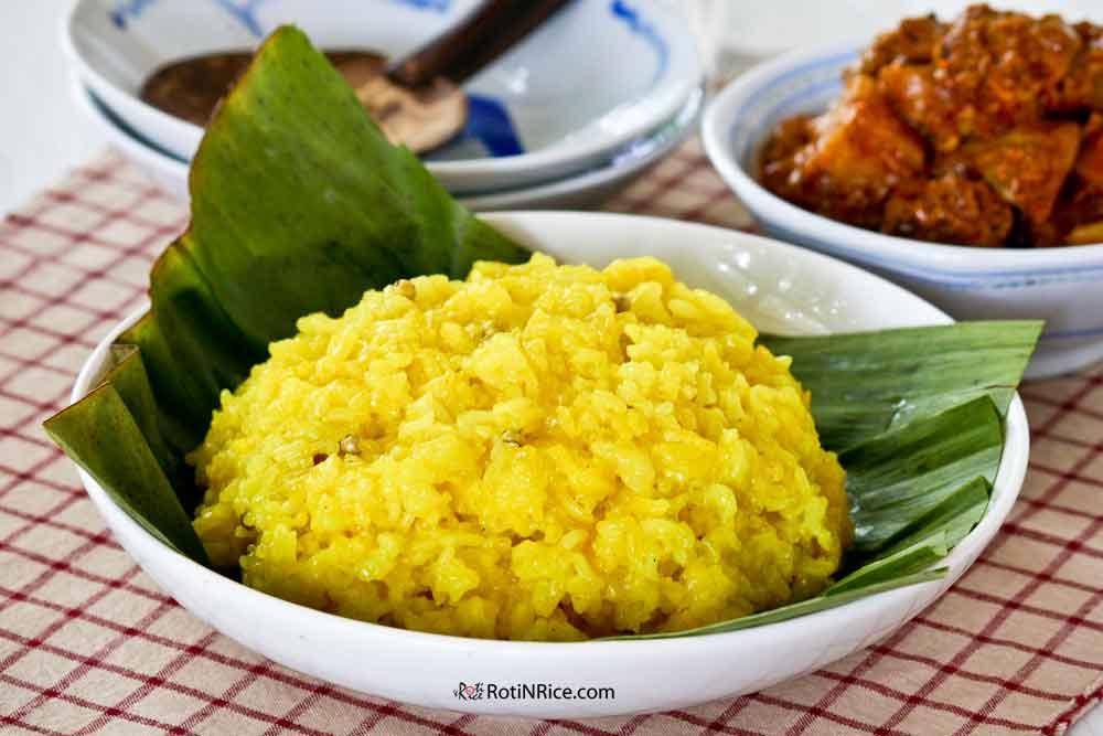 Nasi Kunyit (Turmeric Glutinous Rice)