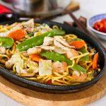 Sizzling Pan Fried Noodles (Teet Parn Yee Meen)