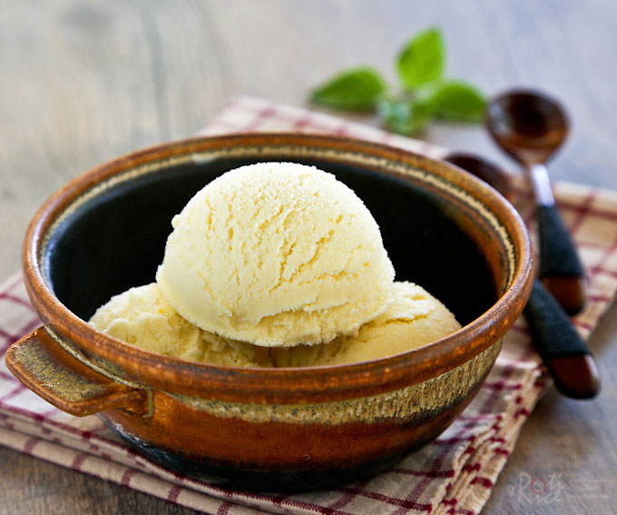 This fragrant Sweet Corn Basil Ice Cream is a delicious treat any time of the year. It is fully infused with fresh corn and a slightly spicy basil flavor. | RotiNRice.com #sweetcornicecream #icecream #sweetcorn