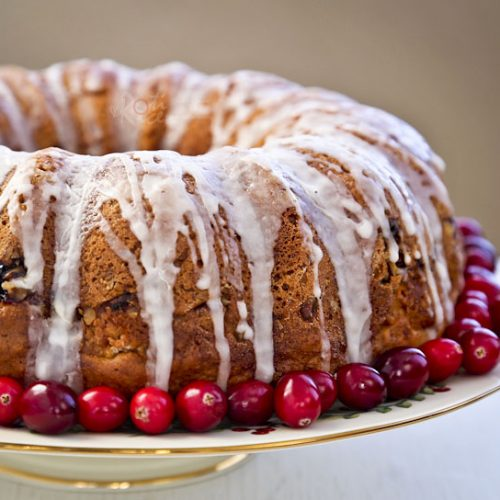 Not sure what to do with leftover Thanksgiving cranberry sauce? Use it to make this easy, moist, and delicious Cranberry Sauce Bundt Cake. | RotiNRice.com #bundtcake #cranberrysauce #thanksgivingrehash #thanksgivingcakes #christmascakes
