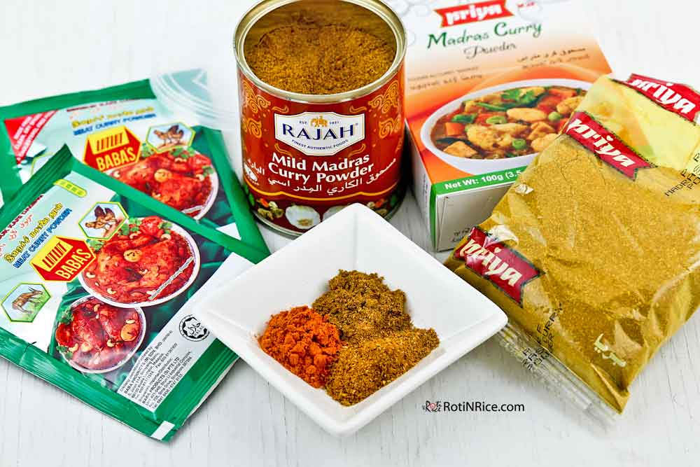 Different types of curry powder.