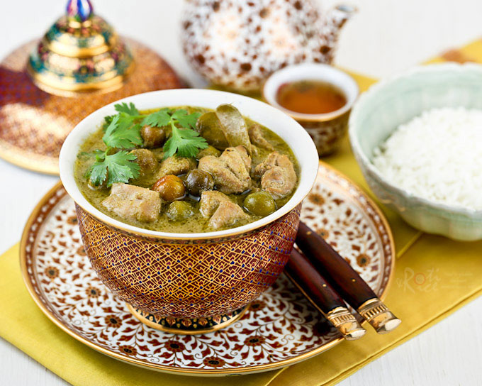 Make your own fragrant green curry spice paste from scratch for this Thai Green Curry Chicken with pea eggplants. So delicious with steamed Jasmine rice.   RotiNRice.com