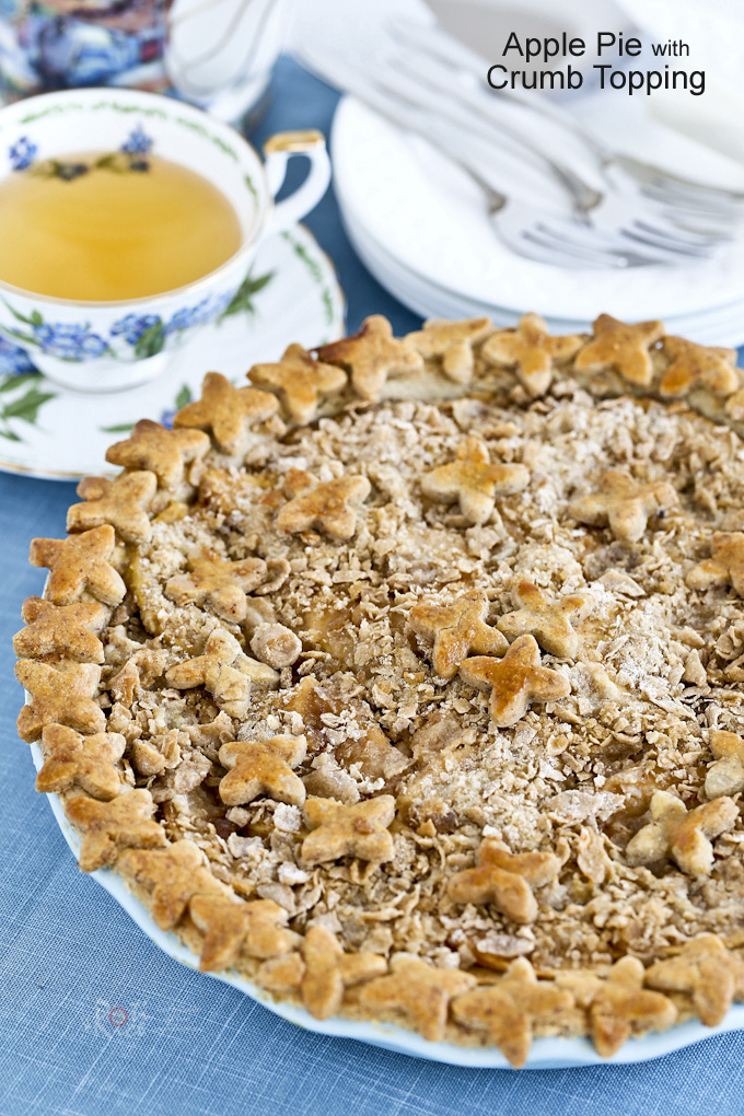 Deliciously spiced apple filling in a fragrant gluten free almond crust make this Apple Pie with Crumb Topping a winner. Recipe also with traditional crust. | RotiNRice.com
