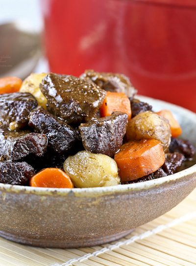 A slight Asian twist to this hearty Beef Stew with Pearl Onions and Carrots. Delicious with a bowl of steamed rice or crusty bread. | Food to gladden the heart at RotiNRice.com