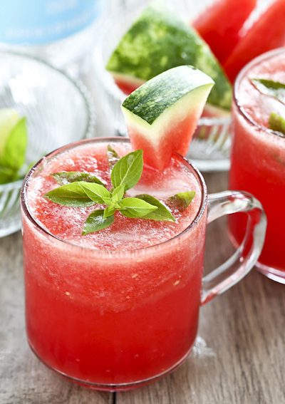 This super refreshing Watermelon Lime Cooler is a great way to beat the heat on hot summer days. Seltzer or club soda and lime make it sparkle. | RotiNRice.com