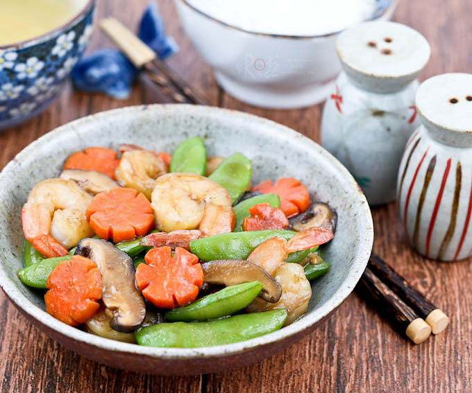 Tender crisp Sugar Snap Peas and Shrimps Stir Fry in less than 30 minutes. Great for busy weeknights and perfect with a bowl of steamed rice. | RotiNRice.com
