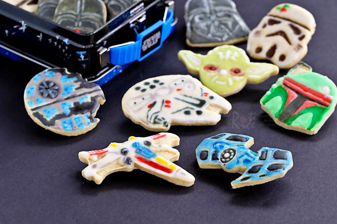 Decorated Star Wars Cardamom Butter Cookies with Star Wars lunchbox.