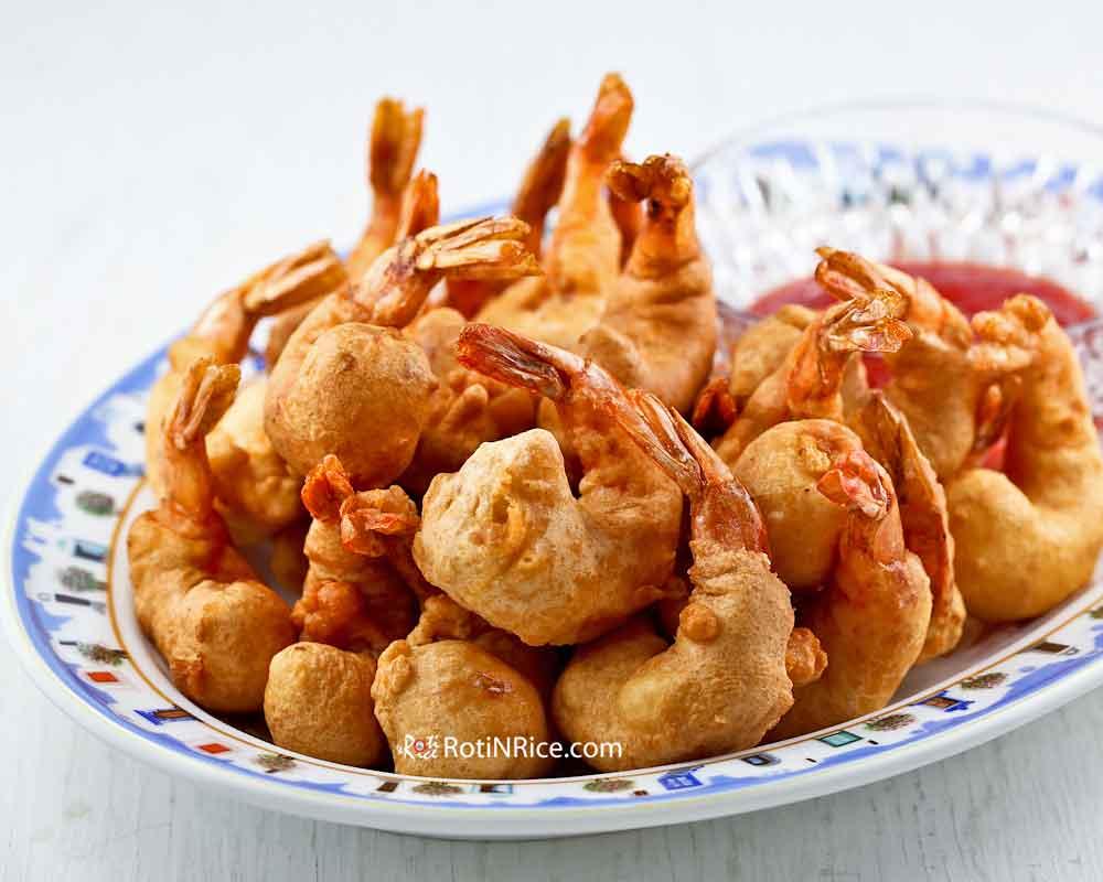 Golden Shrimp Puffs (Shrimp Fritters) for family Reunion Dinner.