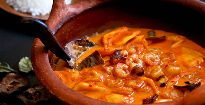 Jackfruit Shrimp Curry (Gulai Nangka Udang) - the combination of jackfruit and shrimps in this fragrant spicy sweet curry is a must try. It is so delicious!   RotiNRice.com
