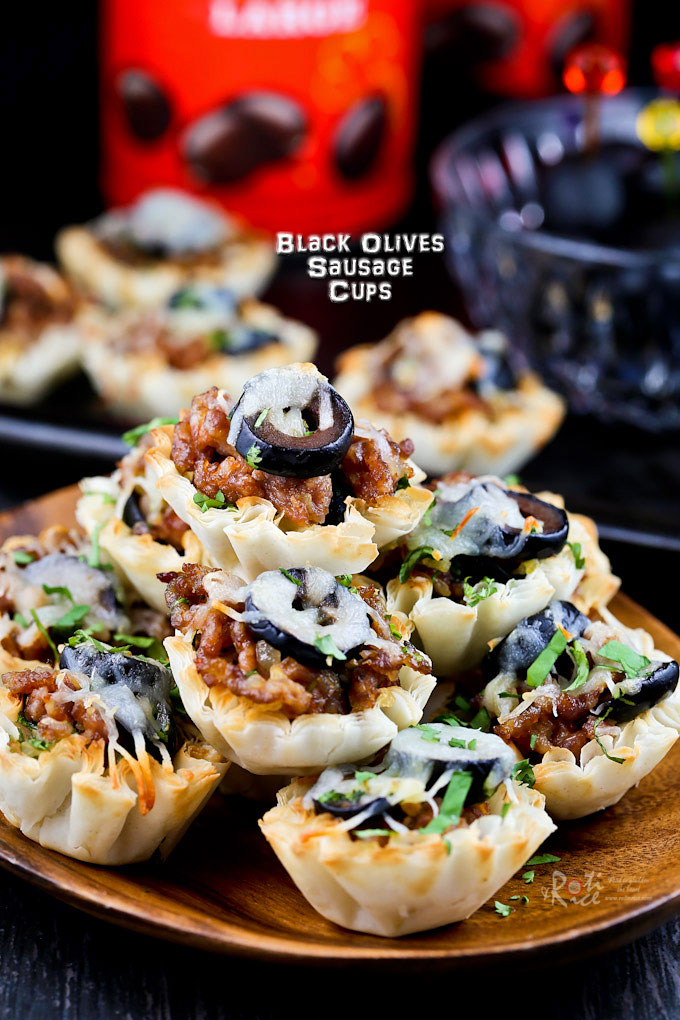 These tasty Black Olives Sausage Cups are the perfect appetizers for Game Day or any social gathering. Very quick and easy to prepare. | RotiNRice.com