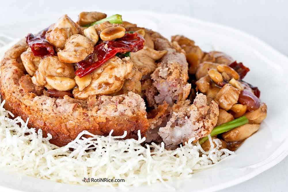 Delicious crispy and fluffy Yam Ring with Kung Pao Chicken.
