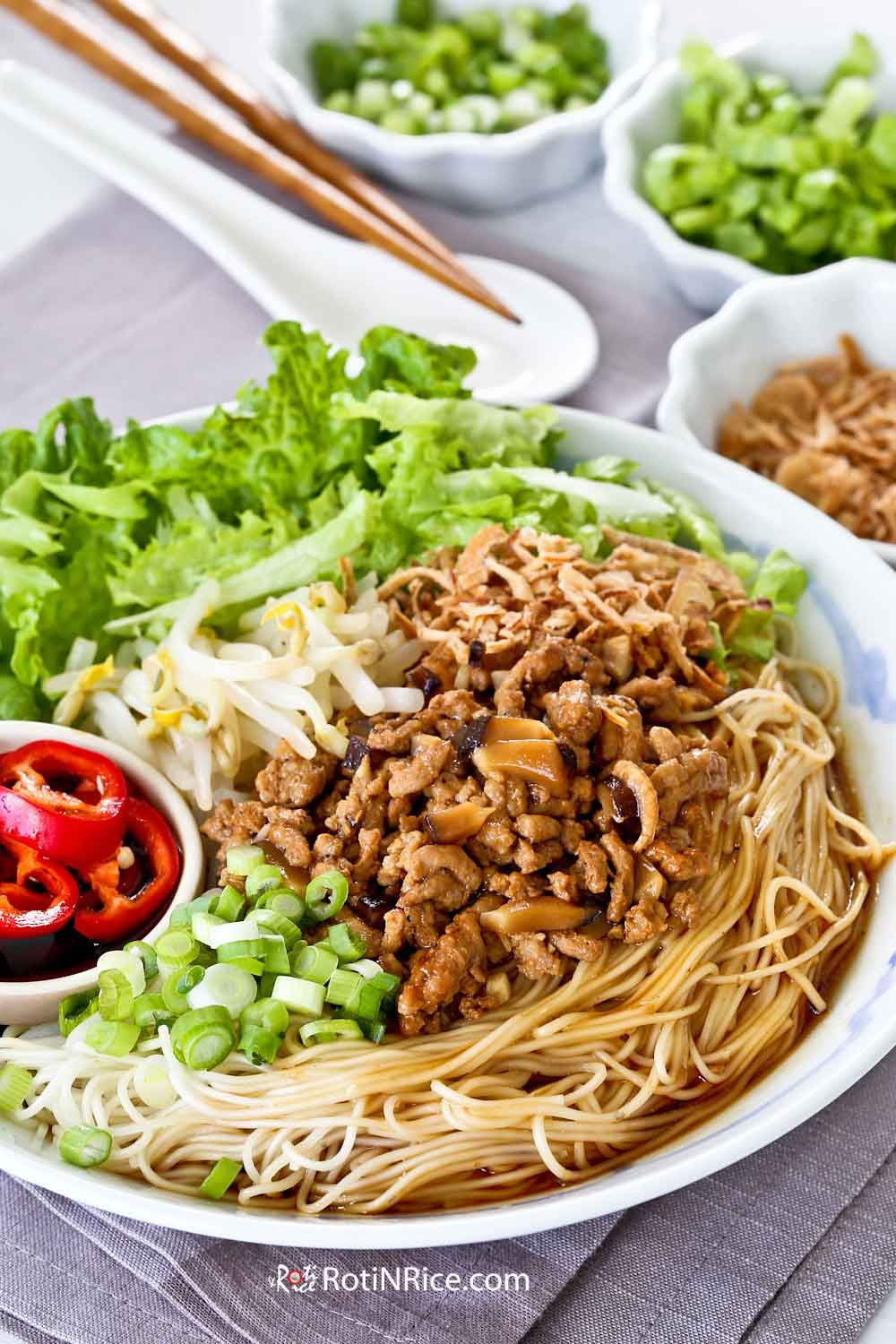 Bak Chor Mee Suah with blanched bean sprouts and fresh shredded lettuce for texture.