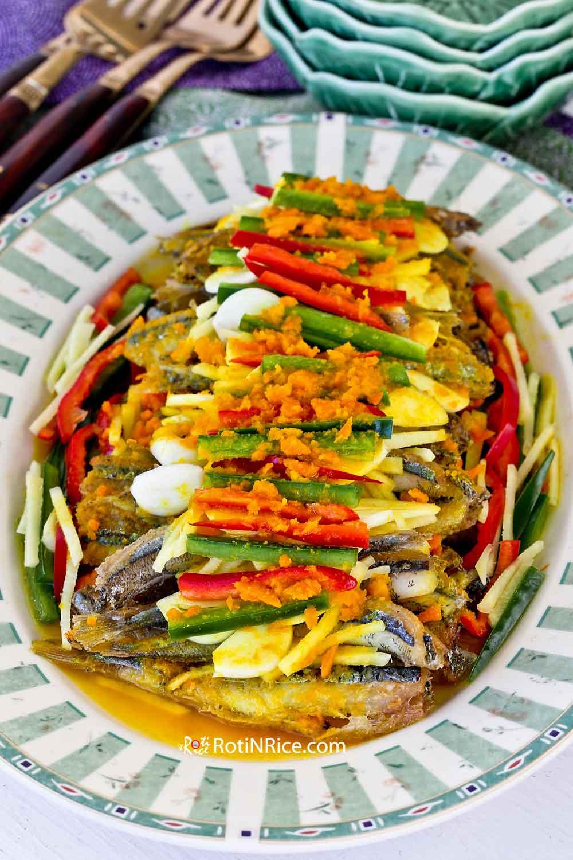 Nyonya Acar Fish (Acar Hu) using smelt.