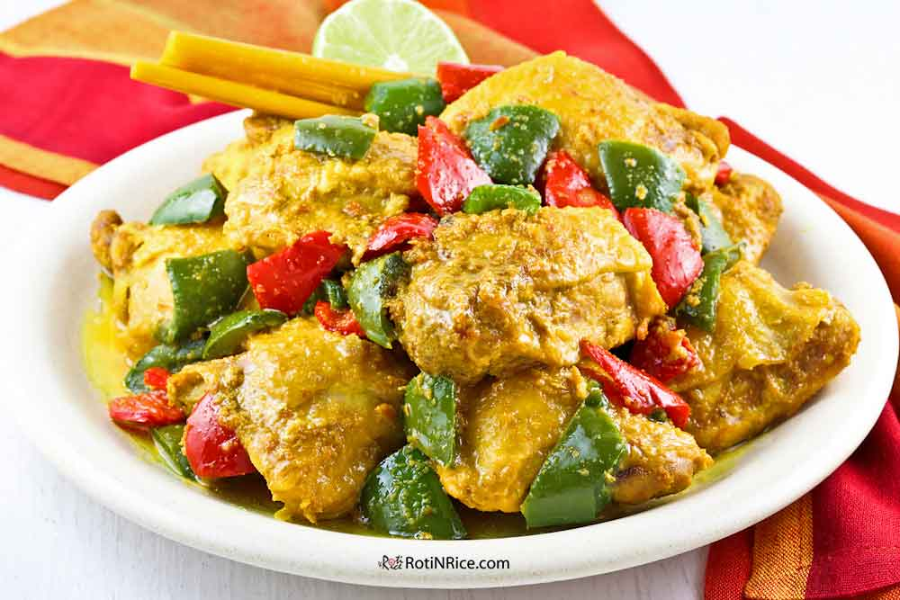 This Tangy Turmeric Lemongrass Chicken is perfect served with steamed rice.