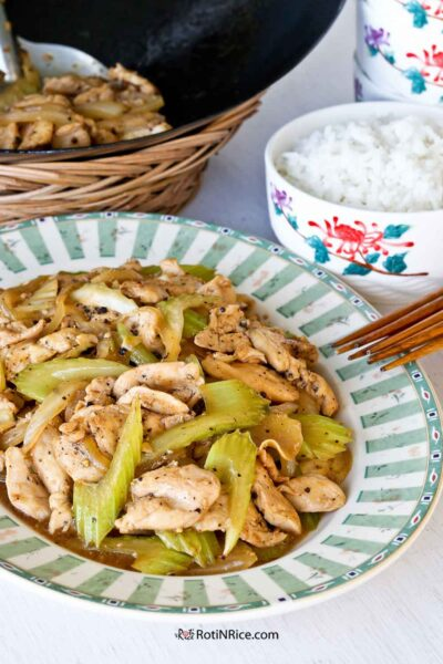 Black Pepper Chicken Stir Fry, a popular choice at Chinese takeouts across the US.